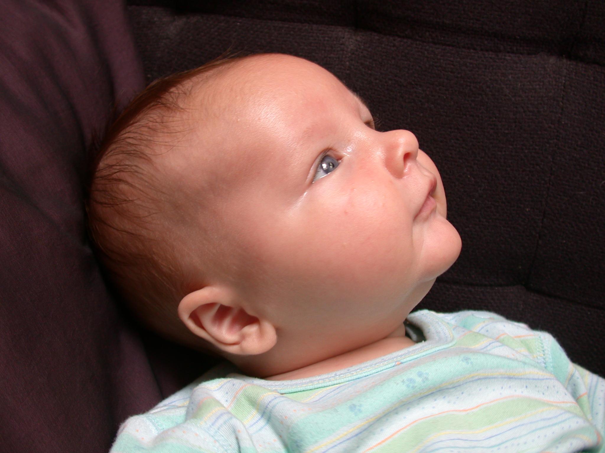 ワセリンは赤ちゃんの保湿に最適。でも副作用が気になる!?