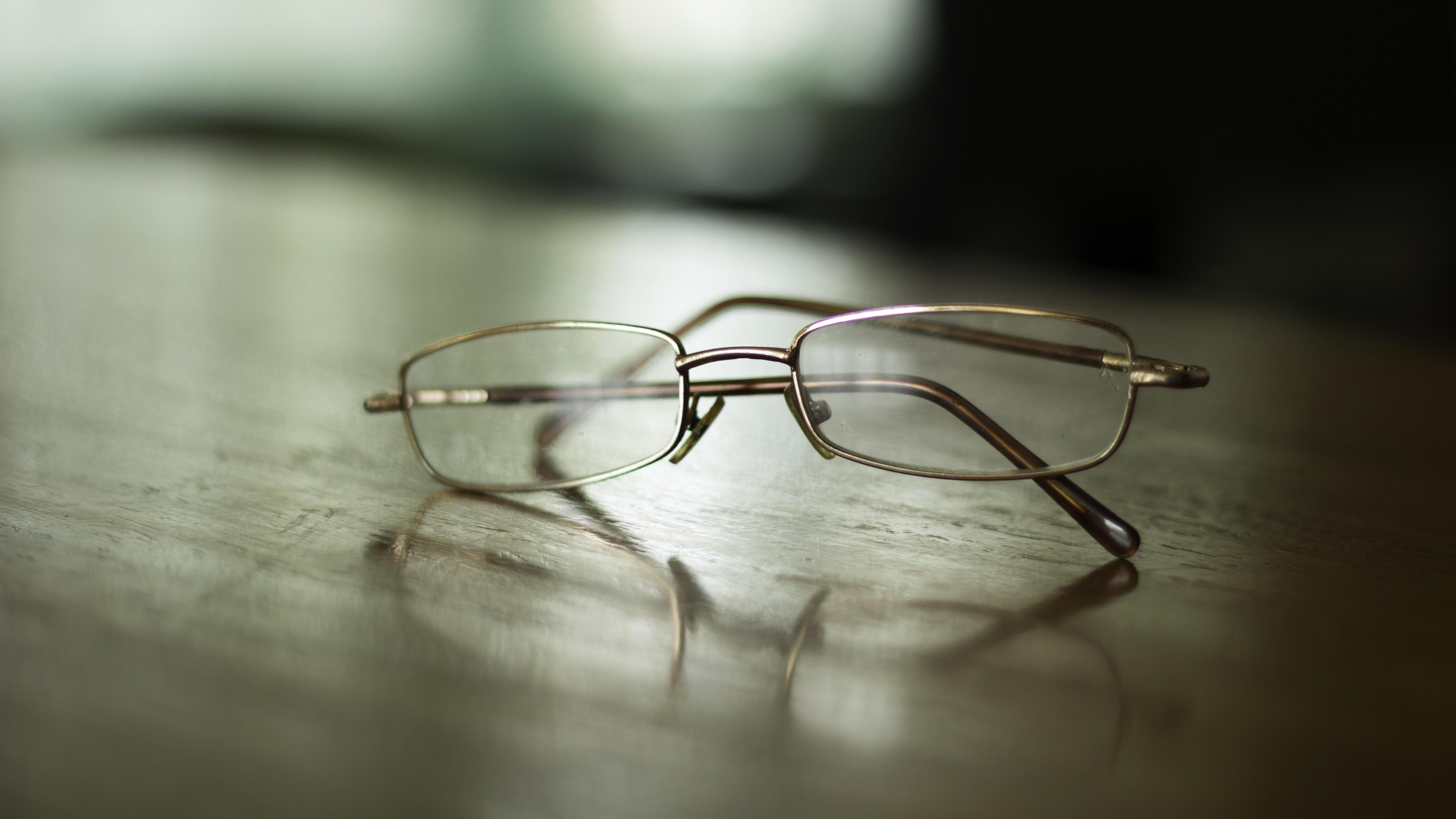 あなたの眼鏡が危ない!お風呂上がりにやりがちな落とし穴